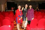 紫秋与王婧菲和俄罗斯嘎佳邂逅在第23届世界脑力锦标赛上