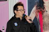 中国铁路文工团爱心艺术家张卫东演唱《众人划桨开大船》