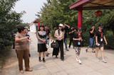 中国梦义工情百镇乡村文化公益行走进北京石家营村樱桃园